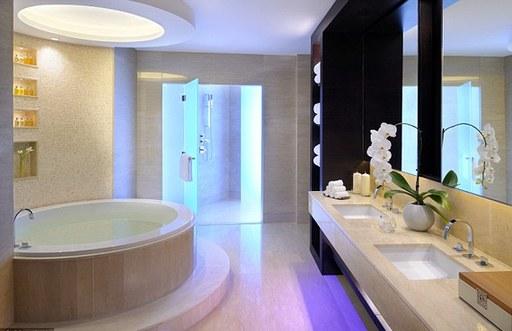 酒店套房设计效果图:浴室装修也豪华